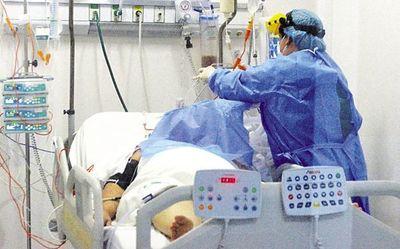 Cifra de muertes por COVID-19 volvería a subir en unas tres semanas