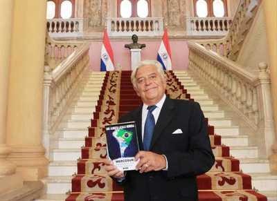 Expresidente Lacalle resalta favorable desempeño económico de Paraguay en la pandemia