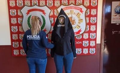 Funcionaria de Aduanas detenida por hecho de homicidio
