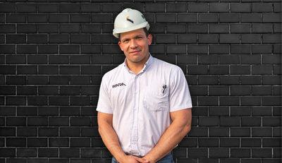 """Romeo Benítez: """"El espectro de empleos que genera el sector constructor es muy amplio"""""""