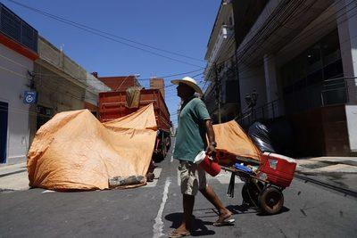 Campesinos paraguayos se concentran frente al Ministerio de Agricultura