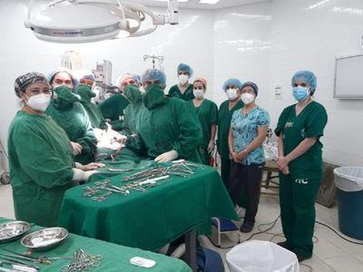 Un hombre donó su riñón a su pareja en el Hospital de Clínicas