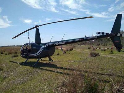 Helicóptero brasileño sin plan de vuelo desciende en un asentamiento en Ñeembucú