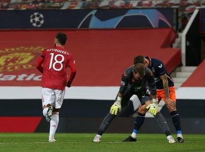 Manchester United quedó a un paso de la clasificación