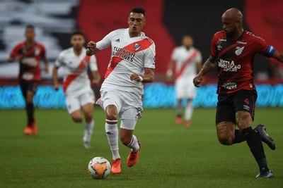 Con Rojas en el banco, River rescató un empate ante Paranaense