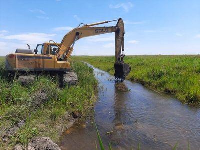 Volvieron a desviar aguas del arroyo Pikyry