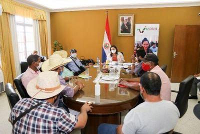 Campesinos de la MCNOC levantan campamento tras acuerdo con INDERT