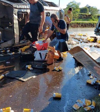 Comisario retirado vuelca con cervezas de contrabando – Diario TNPRESS