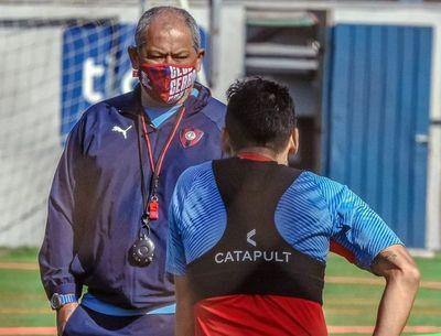 Francisco Arce y un problema lateral: ¿Quién jugará por izquierda?