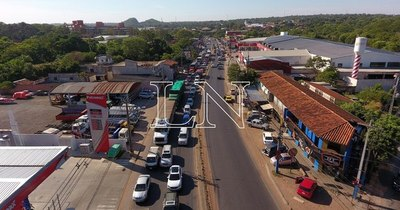 La Nación / Movilizaciones generan caos en el tránsito en el microcentro y Acceso Sur