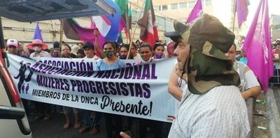HOY / Mujeres campesinas encabezan marcha sumando el pedido del fin de la violencia