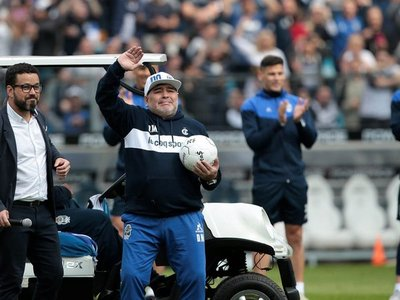 A los 60 años, fallece Diego Armando Maradona