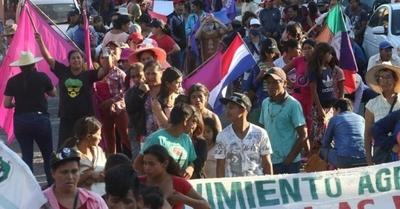 HOY / Campesinos piden ratificar versión de Senado y anuncian que continuarán las movilizaciones