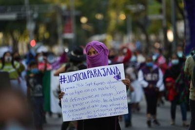 México reconoce deuda por violencia que mata a 3.800 mujeres por año