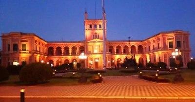 La Nación / Violencia contra las mujeres: Palacio de López se ilumina del color naranja