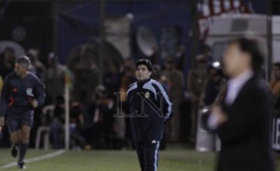 HOY / En su visita a Paraguay, Diego probó la bravura de los paraguayos