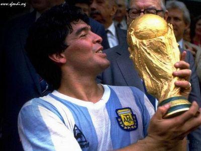 El fútbol llora a Maradona