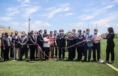 URP reinaugura su estadio tras mejoras