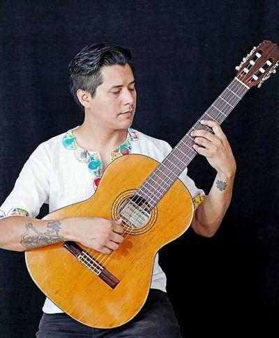 La guitarra libre de Juan Vera
