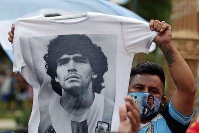 Los argentinos despiden a Diego Armando Maradona en la Casa Rosa
