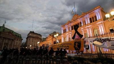 HOY / Abren la Casa Rosada para que el público despida a Maradona