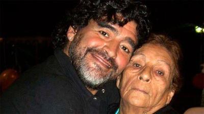 Diego Maradona antes de su muerte, lloraba frecuentemente por su madre con inmenso dolor – Prensa 5