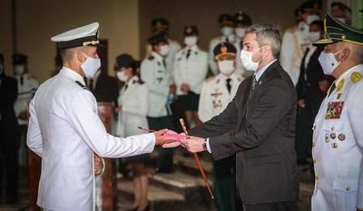 Egresan más de 95 nuevos oficiales de la Academia Militar