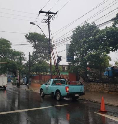 Unos 170.000 usuarios de la ANDE, se encuentran sin energía eléctrica tras temporal