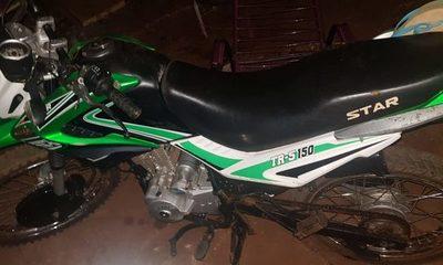Motociclista se fractura la pierna en accidente