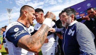 La emotiva despedida de Víctor Ayala a Maradona