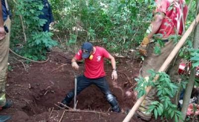 Hallan cuatro cadáveres con signos de tortura en una fosa en PJC