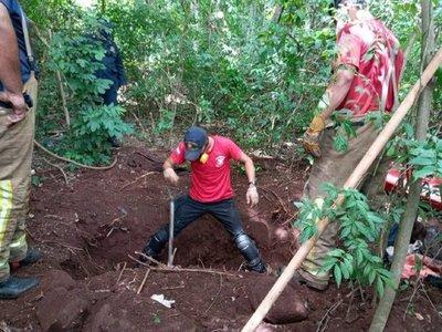 En Amambay hallan fosa común con 4 cadáveres