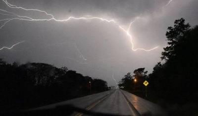 Alerta: sistema de tormentas se desplaza hacia el norte del país