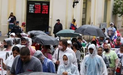 HOY / Sintechos y sintierras también se manifiestan en Asunción