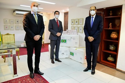 Brasil dona 50.000 kits para análisis de Covid-19