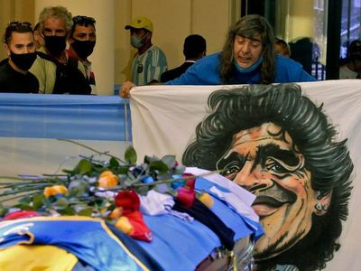 Diego Maradona: retiraron el féretro y suspendieron en velatorio