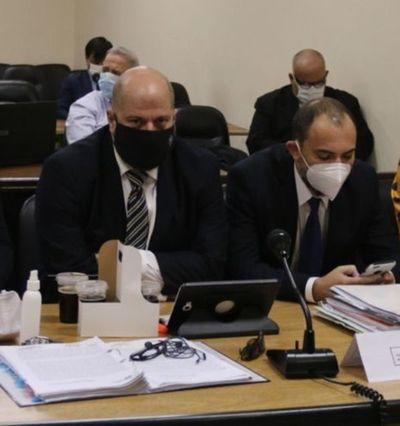Tribunal de Sentencia absuelve a Raúl Fernández Lippmann y Cristian León por enriquecimiento ilícito y lavado de dinero
