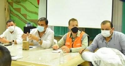 Caazapá: Autoridades se reúnen con líderes campesinos