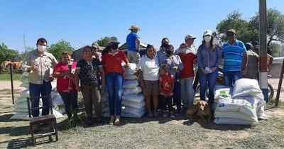 La Nación / Productores pecuarios del Chaco fueron beneficiados con donaciones