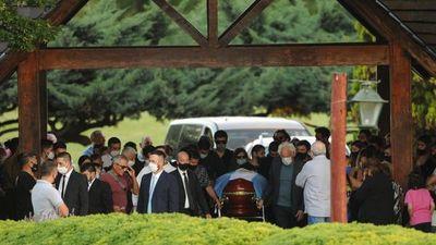 Será eterno: Diego Armando Maradona ya descansa en el cementerio Jardín de Bella Vista