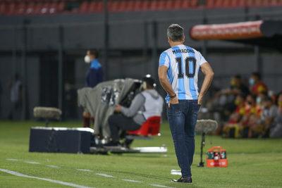 Renato Gaucho dirige al Gremio con la 10 de Maradona
