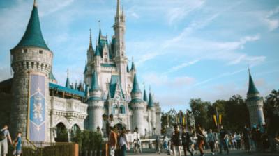 Disney eliminará 4.000 empleos más tras cierres de sus parques temáticos