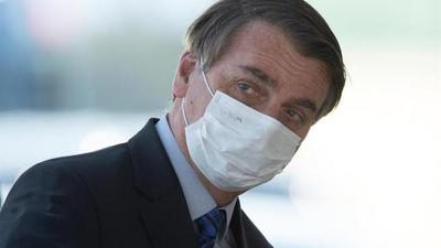 """Bolsonaro aseguró que el uso de la mascarilla será """"el último tabú en caer"""" con respecto al coronavirus"""
