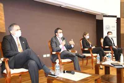 Hacienda expuso ante empresarios desafíos de recuperación y transformación