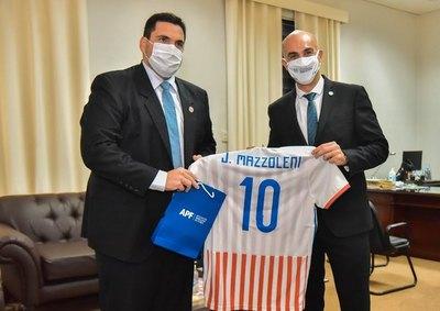 Mazzoleni descartó retorno del público a los estadios en el Clausura