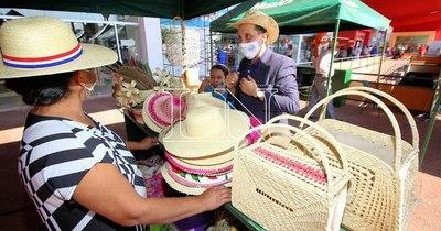 La Nación / Comprar productos nacionales para canastas de fin de año dinamizará la economía
