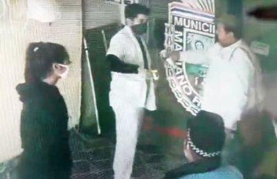 Imputaron a Walberto Zárate por rociar alcohol a funcionarios