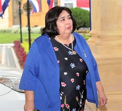 Acusan a ministra de la Niñez de promover perversa maquinaria globalista de destrucción familiar