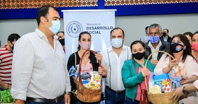 La Nación / Caazapá: entregaron insumos para huertas y recursos para emprendimientos