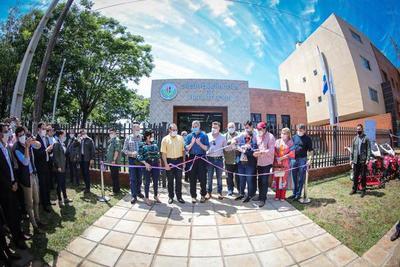 Gobierno inaugura nueva sede del CAH en Fram y entrega créditos y aportes a pequeños productores